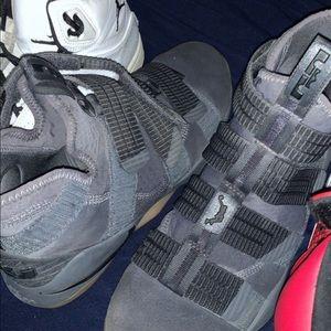 Nike LeBron's soldier 11 dark grey